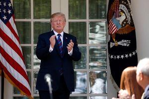 Tổng thống Trump bất ngờ muốn tái gia nhập TPP, hạ giọng với Trung Quốc
