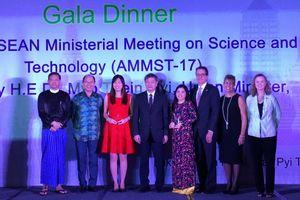 Giải thưởng khoa học dành cho phụ nữ ASEAN