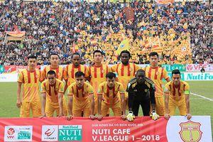 Thảm bại trước TP. HCM trên sân nhà, Nam Định tiếp tục bét bảng