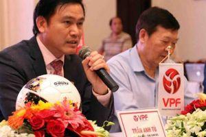 Người Việt ủng hộ bầu Đức, lên án bầu Tú
