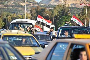 Đánh bại tên lửa Mỹ, người dân Syria đổ ra đường mừng chiến thắng