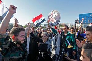 Tổng thống Assad đến văn phòng sau vụ tấn công của liên quân