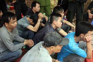 Cảnh sát bao vây sới bạc dành cho 'dân anh chị'