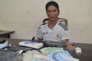 Tên trộm túi xách ở quán bar bị bắt sau 5 km bỏ chạy