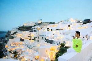 Đàm Vĩnh Hưng sang chảnh như ông hoàng 'chốn thiên đường' Santorini