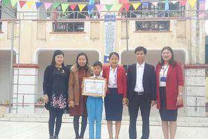 Trả lại tiền rơi, nam sinh lớp 5 ở Hà Tĩnh được Bộ GD&ĐT tặng bằng khen