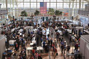 Sân bay tấp nập nhất thế giới