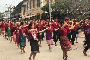 Thành phố Luangprabang của Lào đón mừng năm mới