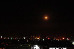 Syria đánh chặn các tên lửa tấn công mục tiêu quân sự