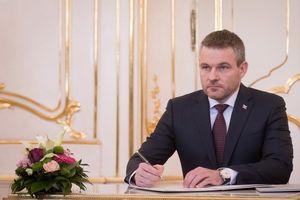 Leo thang khủng hoảng chính trị tại Slovakia