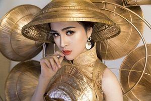 Cận cảnh bộ trang phục 'Nghiêng che hồn Việt' của Thư Dung tại Miss Eco 2018