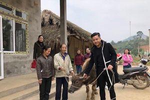 Ca sĩ Tuấn Hưng tiếp tục xây 2 ngôi nhà tặng 2 gia đình nghèo ở Yên Bái