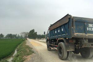 Nhà máy gạch 'nằm' trên đất nông nghiệp, lãnh đạo xã Đông Phương Yên né trách nhiệm?
