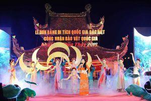 Lễ hội chùa Thầy được tổ chức thành mùa lễ hội