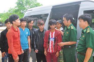 Giải cứu 11 thanh niên bị ép lao động 'khổ sai' tại hầm vàng