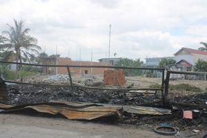 Khánh Hòa: Cháy bãi phế liệu suốt từ đêm qua tới trưa nay