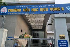 Rơi từ tầng cao xuống đất, học sinh tiểu học ở Hà Nội thương nặng