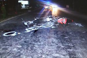 Hai xe máy đối đầu, 1 người tử vong