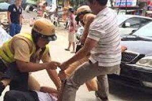 Cà Mau: Kỷ luật đại úy cảnh sát giao thông đạp người dân nhập viện