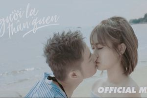 Thanh Duy 'khóa môi' bạn diễn trong MV