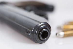 Hai vợ chồng tử vong sau tiếng súng nổ