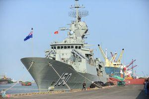 Cận cảnh 3 tàu Hải quân Hoàng gia Australia vừa cập cảng Sài Gòn