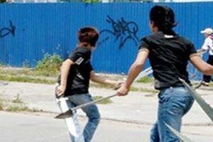 Hai thanh niên thương vong khi bị nhóm côn đồ truy sát, chém tới tấp