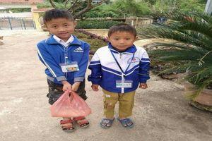 Thảm cảnh người mẹ đơn thân nuôi hai con thơ dại trong bệnh tật, đói nghèo.