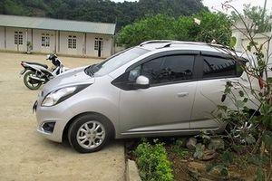 Vụ giáo viên lùi xe khiến 2 học sinh thương vong ở Sơn La: Cô giáo chưa có giấy phép lái xe là người cầm lái