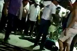 Nam thanh niên bị đánh đập ném vào chuồng cá sấu vì tội hiếp dâm