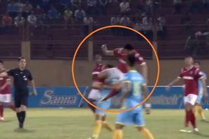 Cầu thủ Than Quảng Ninh bị phạt nặng vì làm gãy xương đối phương