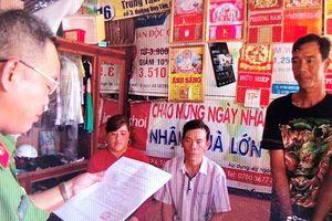 Bắt nhóm cưỡng đoạt tiền của ngư dân khai thác sò ven biển