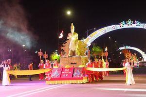 2.800 diễn viên quần chúng tham gia lễ hội dân gian đường phố Việt Trì