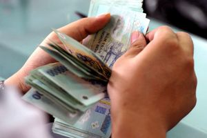Khởi tố nữ kiểm sát viên nhận hối lộ của vợ bị can