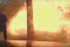 Căn nhà nổ tung sau cú đâm của Ford Explorer