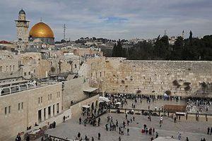 Dời đại sứ quán tới Jerusalem, Romania tính lợi đủ đường