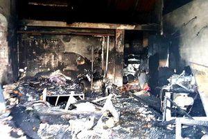 Cháy cửa hàng giữa đêm, 3 mẹ con thiệt mạng