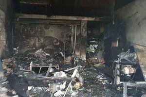 Nam Định: Nhà cháy trong đêm, ba mẹ con tử vong