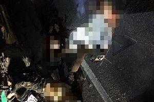 4 nam sinh tử vong vì đi xe máy tông trúng ô tô đỗ bên đường