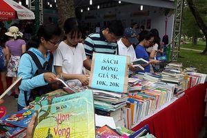 'Ngày Sách Việt Nam lần thứ 5' hút độc giả đến giờ cuối cùng