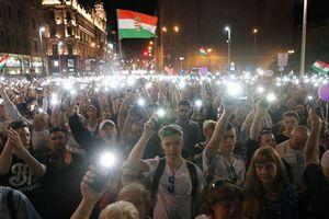 Hungary: Hàng chục ngàn người biểu tình phản đối Thủ tướng