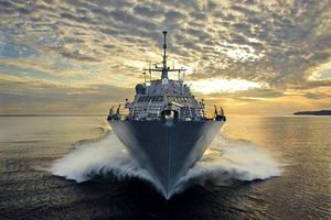 Hé lộ sức mạnh tàu khu trục RSS Intrepid Hải quân Singapore sắp đến Đà Nẵng