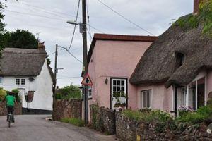 Bí ẩn kỳ lạ về ngôi làng mỗi năm cao thêm 2 cm