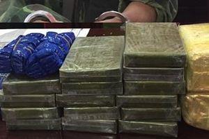 Một ngày bắt 35 bánh heroin, 2 kg ma túy đá, 8.000 viên ma túy tổng hợp