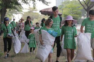 4.000 tình nguyện viên đi gom rác