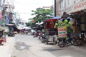 Truy bắt thủ phạm bịt khẩu trang cướp dây chuyền giữa chợ