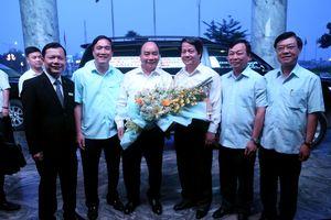 Đón tiếp các đại biểu về dự Lễ dâng hương tưởng niệm các Vua Hùng