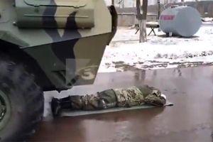 Thi làm lãnh đạo chính quyền Nga: phải nằm dưới xe tăng, nhảy khỏi vách núi...
