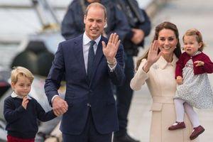 Anh: Hoàng tử William có thêm một con trai kháu khỉnh
