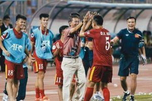 Thầy Park chỉ ra 'tử huyệt' của U19: Ông Tuấn đóng vai 'người giải mã'